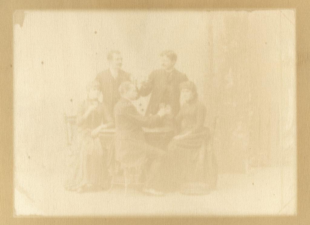 Juergen Staack: Tableaux; Serie verschiedener Motive, Titel variiert; 2012-2014; Pappelholz belichtet und lackiert, gerahmt; 15 x 21 cm (ungerahmt), 30 x 36 cm (gerahmt); Auflage je 1/1; Courtesy Konrad Fischer Galerie Berlin